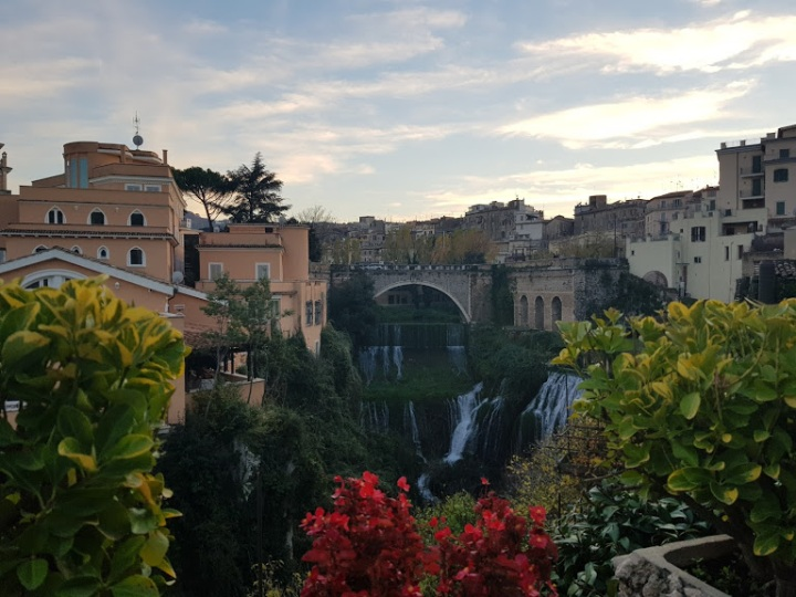 A Must-See: Tivoli in aDay!